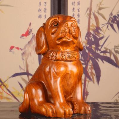 Đặt tượng gỗ con chó có ý nghĩa gì trong phong thủy?