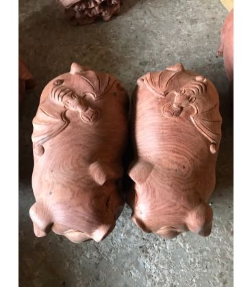 Cặp Lợn Lưng Hình Dơi Gỗ Hương