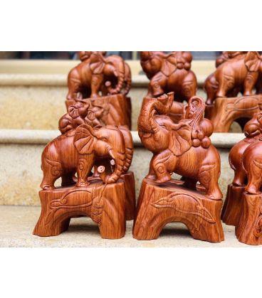 Tượng Voi gỗ Hương