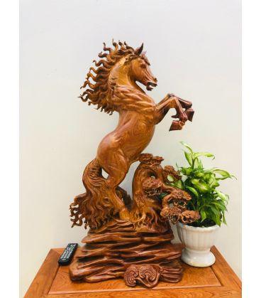 tượng gỗ con ngựa